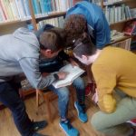 Beseda pro žáky 8. tříd - Historie knihovny; Mezinárodní desetinné třídění; Orientace v knihovně - duben